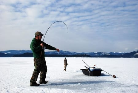 what-to-look-for-in-an-ice-fishing-reel