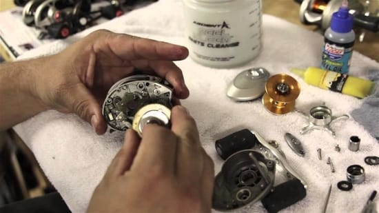 how-to-clean-a-baitcasting-reel
